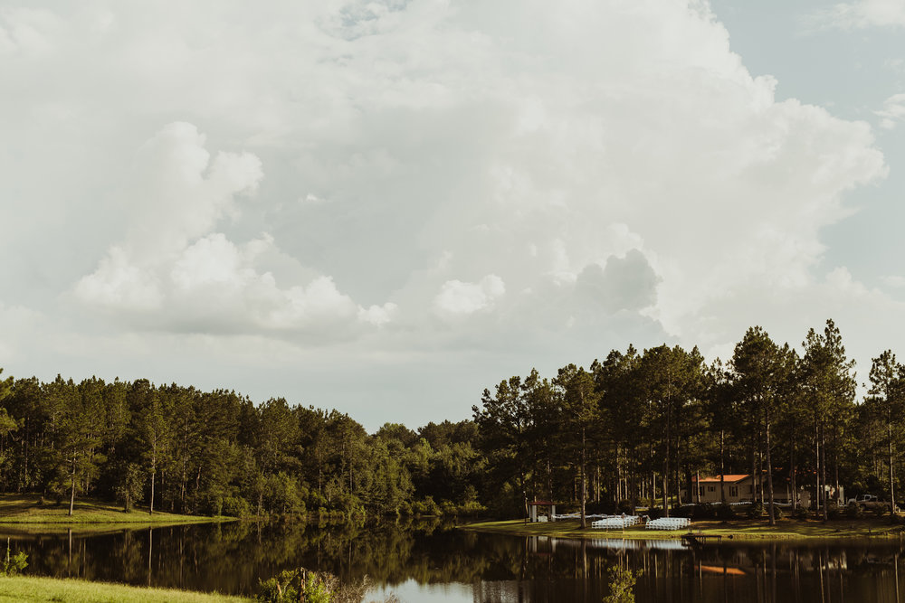 ©Isaiah & Taylor Photography - Lakeside Barn Wedding, Private Estate, Poplarville Mississippi-41.jpg