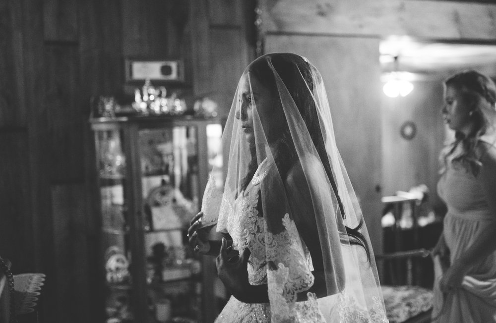 ©Isaiah & Taylor Photography - Lakeside Barn Wedding, Private Estate, Poplarville Mississippi-51.jpg
