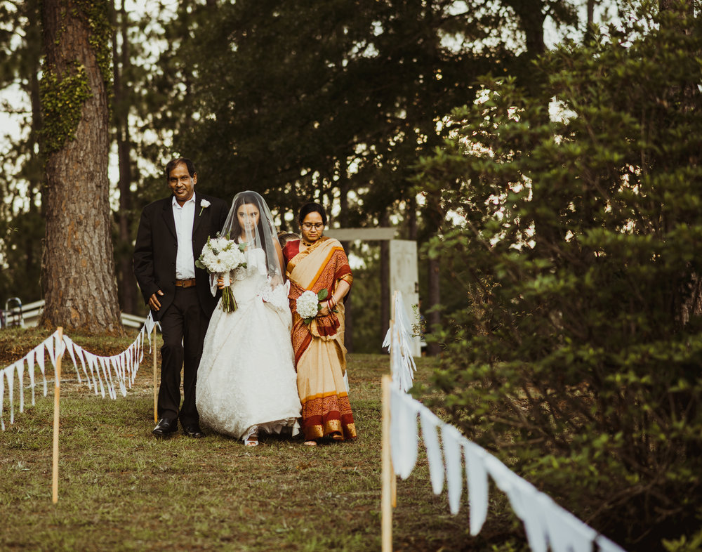 ©Isaiah & Taylor Photography - Lakeside Barn Wedding, Private Estate, Poplarville Mississippi-59.jpg