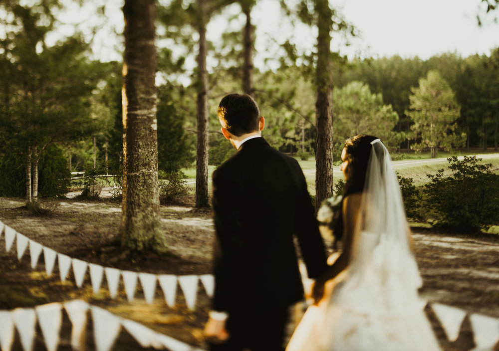 ©Isaiah & Taylor Photography - Lakeside Barn Wedding, Private Estate, Poplarville Mississippi-81.jpg