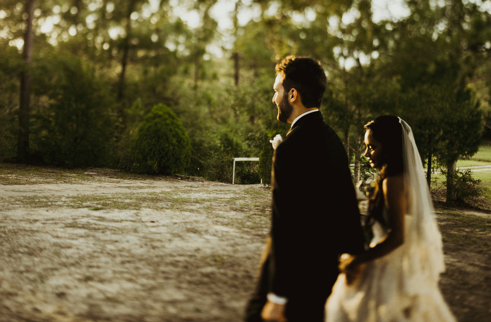 ©Isaiah & Taylor Photography - Lakeside Barn Wedding, Private Estate, Poplarville Mississippi-84.jpg
