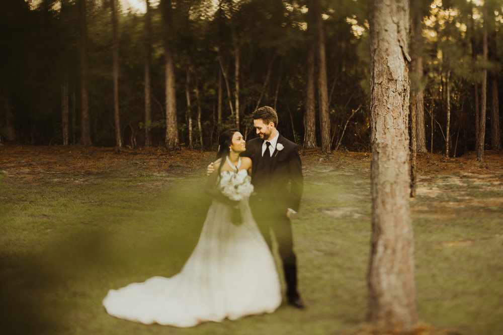 ©Isaiah & Taylor Photography - Lakeside Barn Wedding, Private Estate, Poplarville Mississippi-93.jpg
