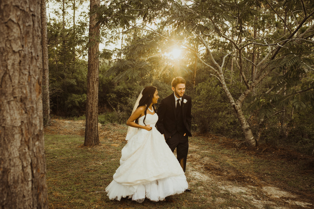 ©Isaiah & Taylor Photography - Lakeside Barn Wedding, Private Estate, Poplarville Mississippi-92.jpg