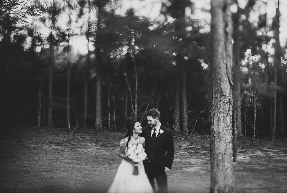 ©Isaiah & Taylor Photography - Lakeside Barn Wedding, Private Estate, Poplarville Mississippi-95.jpg
