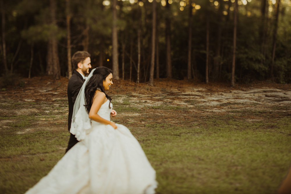©Isaiah & Taylor Photography - Lakeside Barn Wedding, Private Estate, Poplarville Mississippi-99.jpg