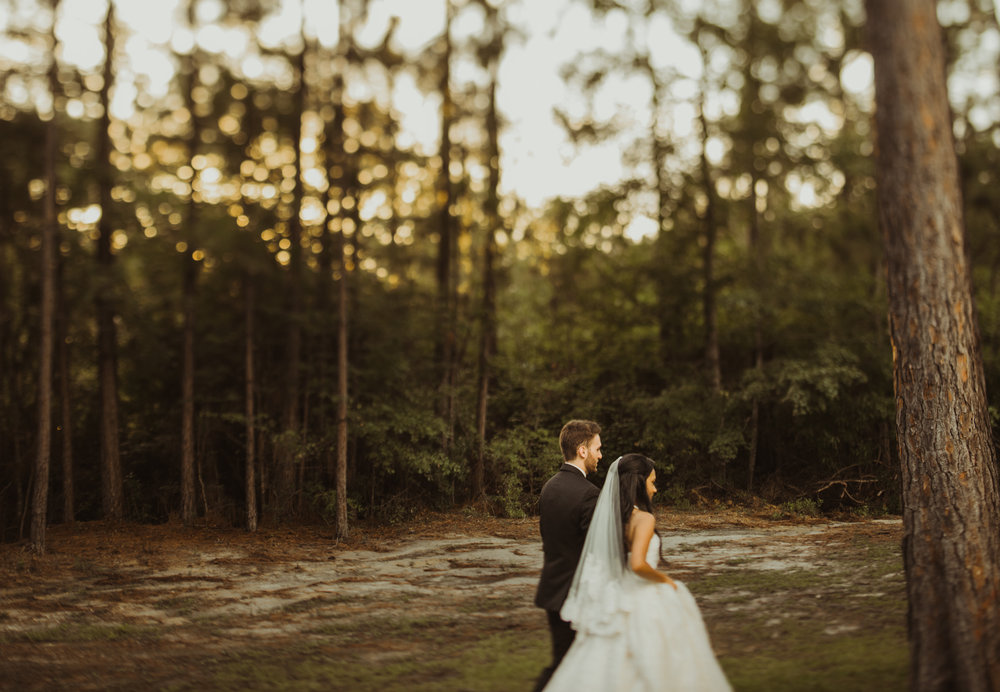 ©Isaiah & Taylor Photography - Lakeside Barn Wedding, Private Estate, Poplarville Mississippi-100.jpg