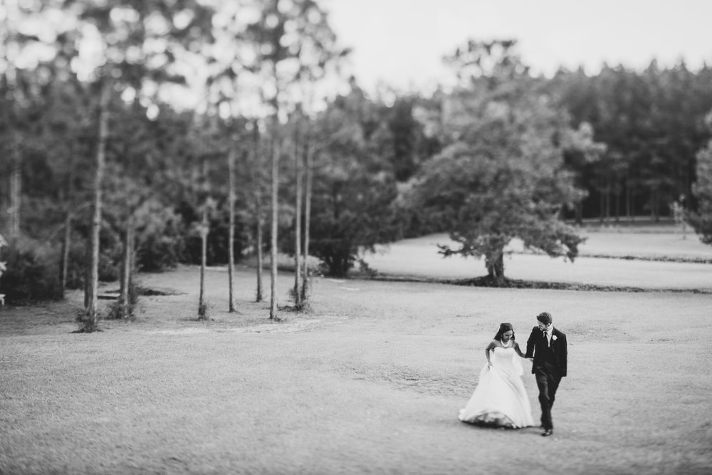 ©Isaiah & Taylor Photography - Lakeside Barn Wedding, Private Estate, Poplarville Mississippi-106.jpg