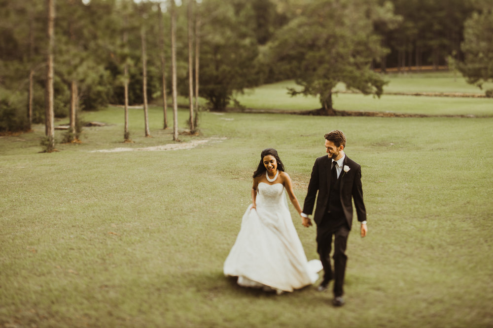 ©Isaiah & Taylor Photography - Lakeside Barn Wedding, Private Estate, Poplarville Mississippi-107.jpg
