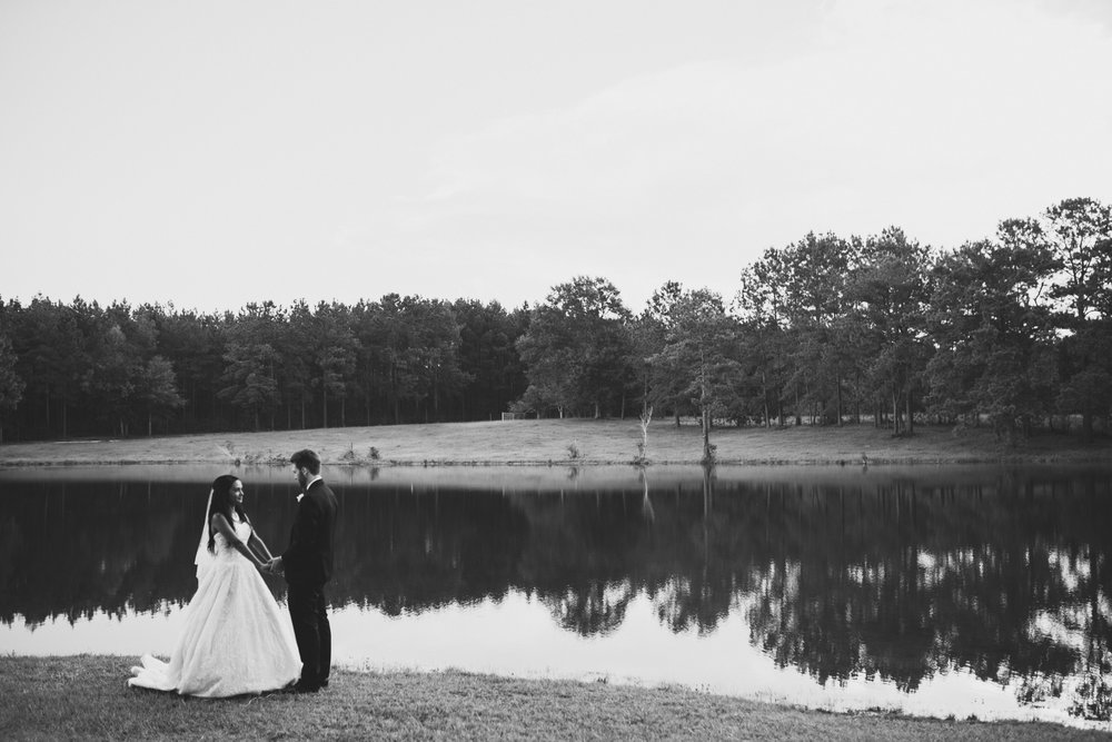 ©Isaiah & Taylor Photography - Lakeside Barn Wedding, Private Estate, Poplarville Mississippi-118.jpg