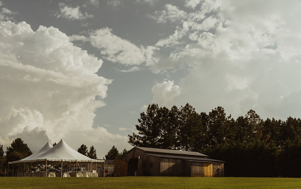 ©Isaiah & Taylor Photography - Lakeside Barn Wedding, Private Estate, Poplarville Mississippi-128.jpg