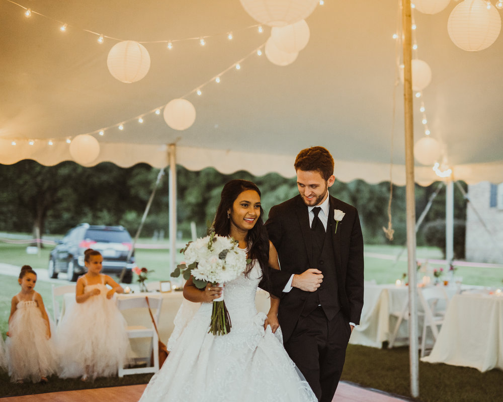 ©Isaiah & Taylor Photography - Lakeside Barn Wedding, Private Estate, Poplarville Mississippi-132.jpg