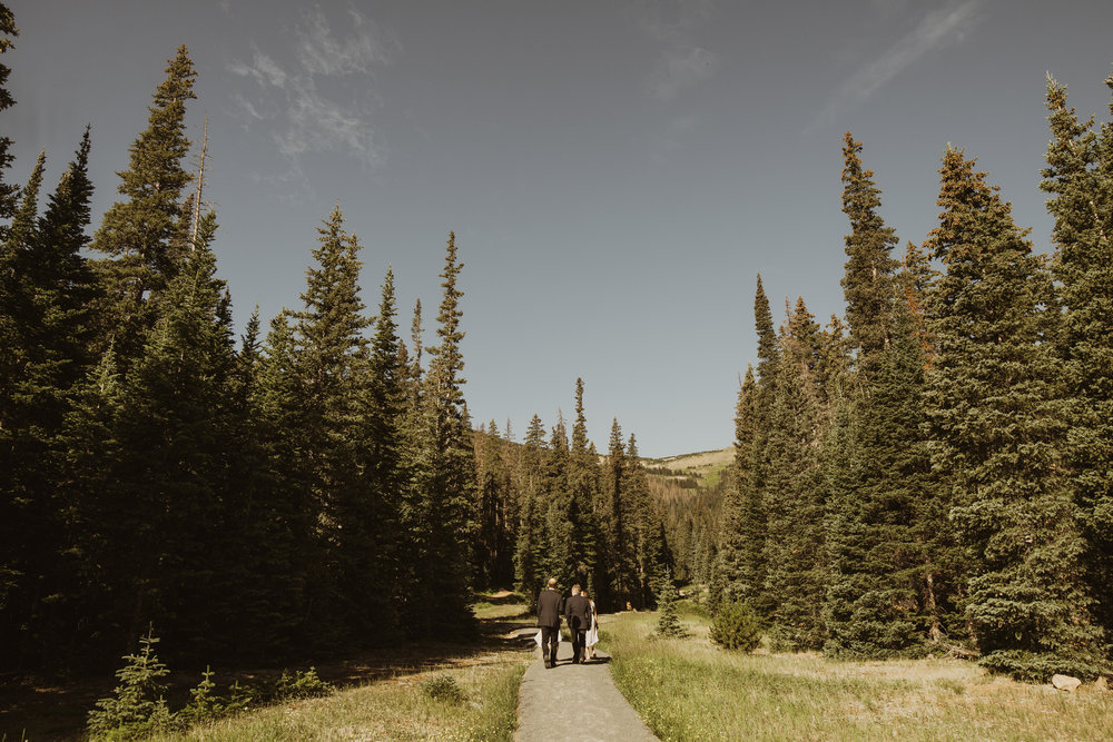 ©Isaiah + Taylor Photography - Estes National Park Adventure Elopement, Colorado Rockies-13.jpg