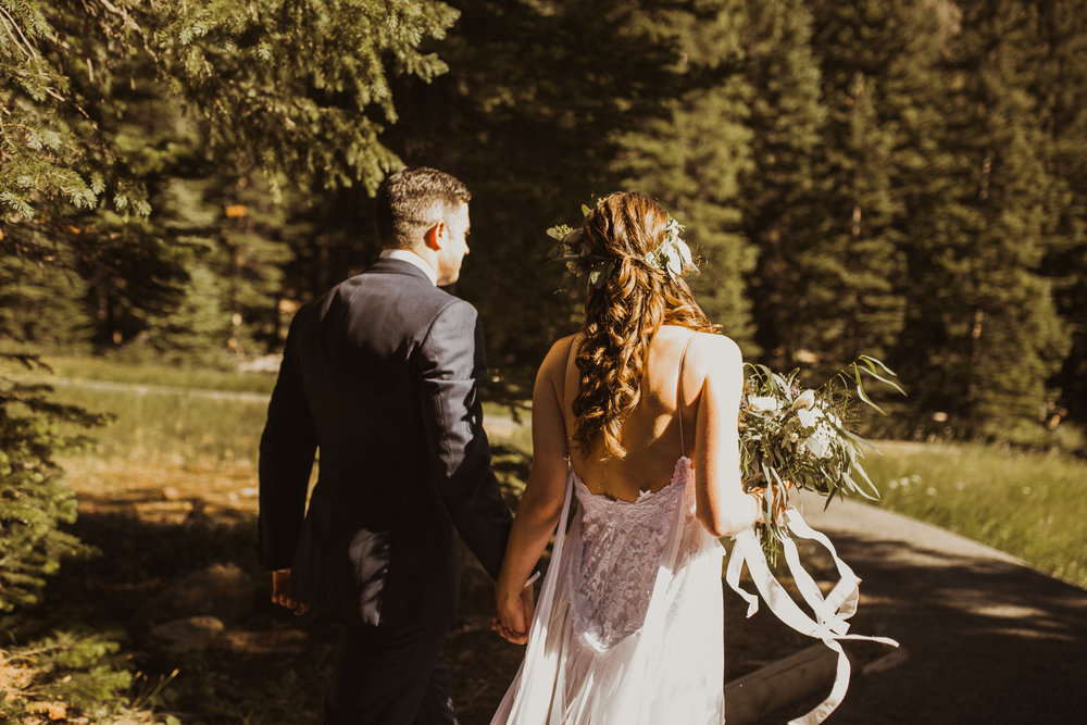 ©Isaiah + Taylor Photography - Estes National Park Adventure Elopement, Colorado Rockies-39.jpg
