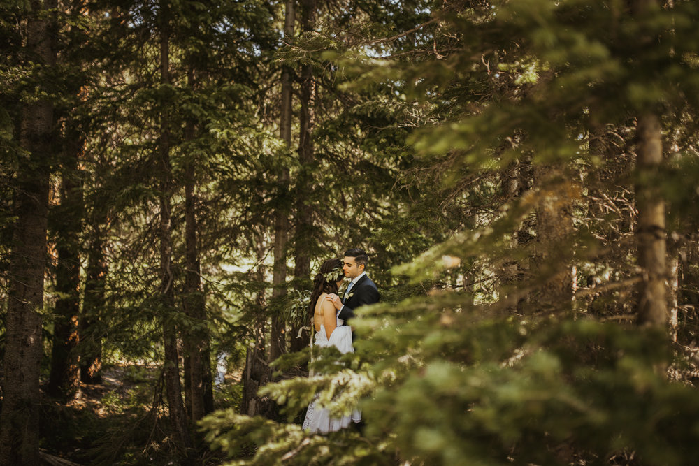 ©Isaiah + Taylor Photography - Estes National Park Adventure Elopement, Colorado Rockies-41.jpg