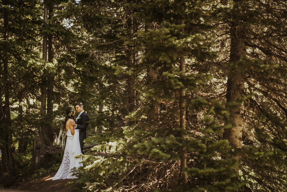 ©Isaiah + Taylor Photography - Estes National Park Adventure Elopement, Colorado Rockies-46.jpg