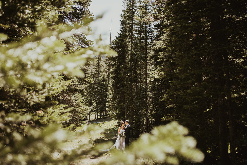 ©Isaiah + Taylor Photography - Estes National Park Adventure Elopement, Colorado Rockies-54.jpg