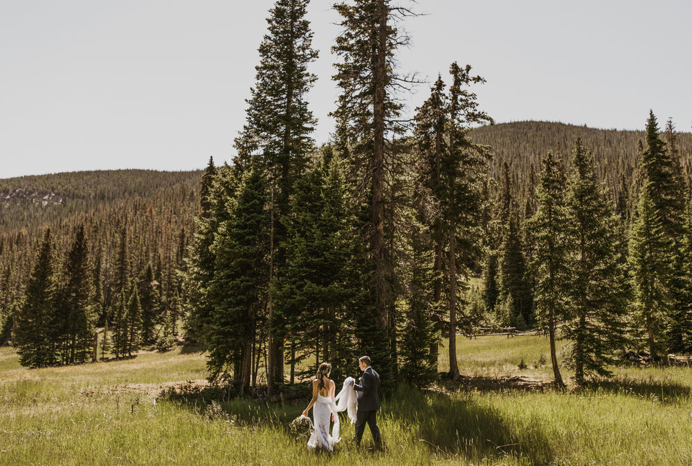 ©Isaiah + Taylor Photography - Estes National Park Adventure Elopement, Colorado Rockies-71.jpg