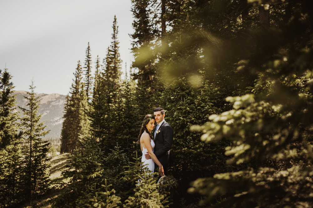 ©Isaiah + Taylor Photography - Estes National Park Adventure Elopement, Colorado Rockies-83.jpg