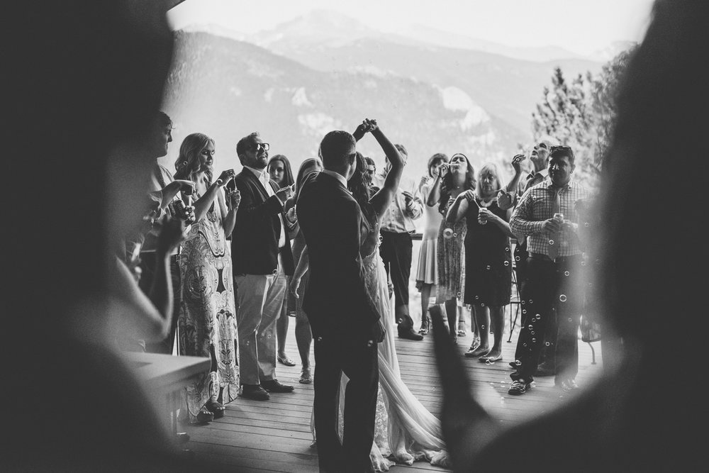©Isaiah + Taylor Photography - Estes National Park Adventure Elopement, Colorado Rockies-90.jpg