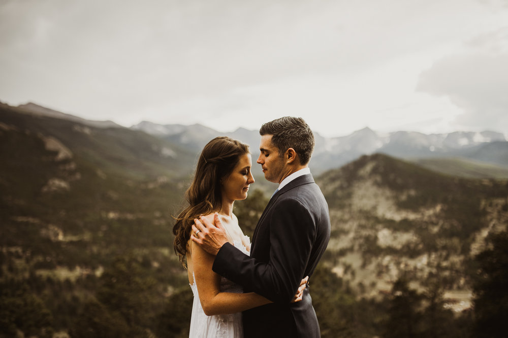 ©Isaiah + Taylor Photography - Estes National Park Adventure Elopement, Colorado Rockies-115.jpg