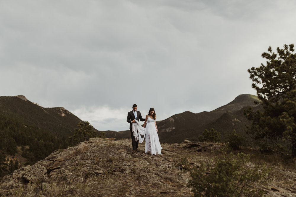 ©Isaiah + Taylor Photography - Estes National Park Adventure Elopement, Colorado Rockies-144.jpg