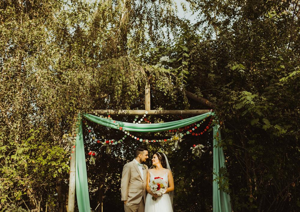 ©Isaiah + Taylor Photography - Brendan + Stefana, Quail Haven Farm Wedding, Vista-89.jpg