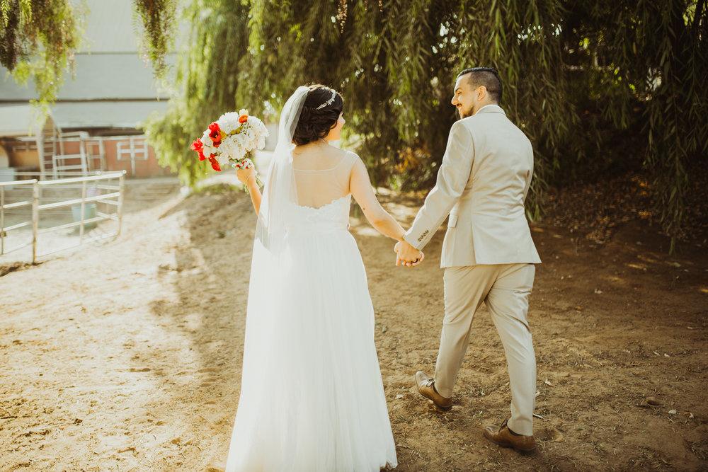©Isaiah + Taylor Photography - Brendan + Stefana, Quail Haven Farm Wedding, Vista-122.jpg