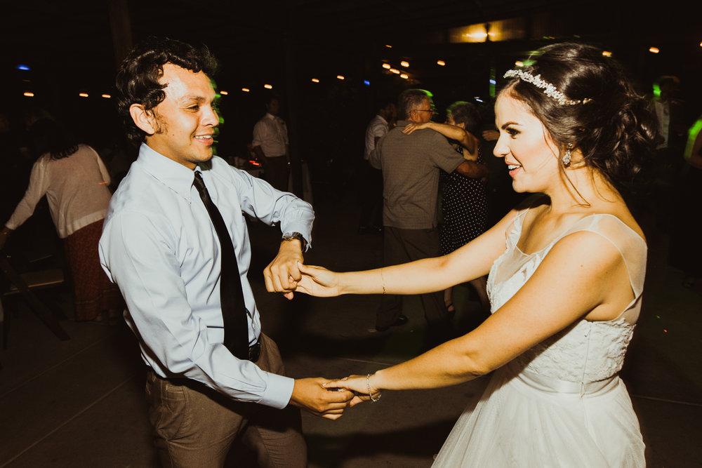 ©Isaiah + Taylor Photography - Brendan + Stefana, Quail Haven Farm Wedding, Vista-179.jpg