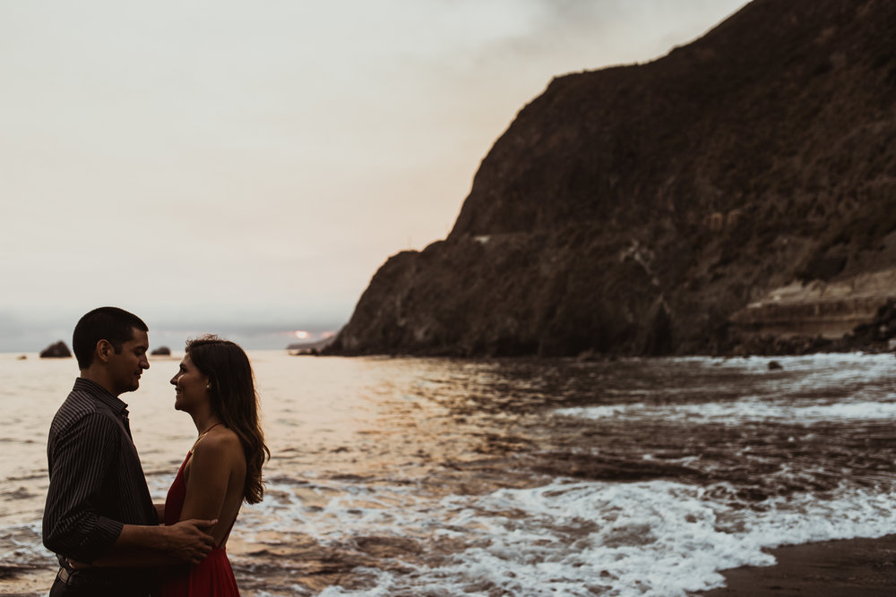 ©Isaiah + Taylor Photography - Big Sur Wedding Engagement Photographer-96.jpg