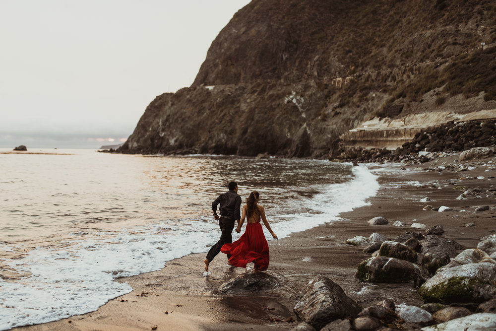 ©Isaiah + Taylor Photography - Big Sur Wedding Engagement Photographer-103.jpg
