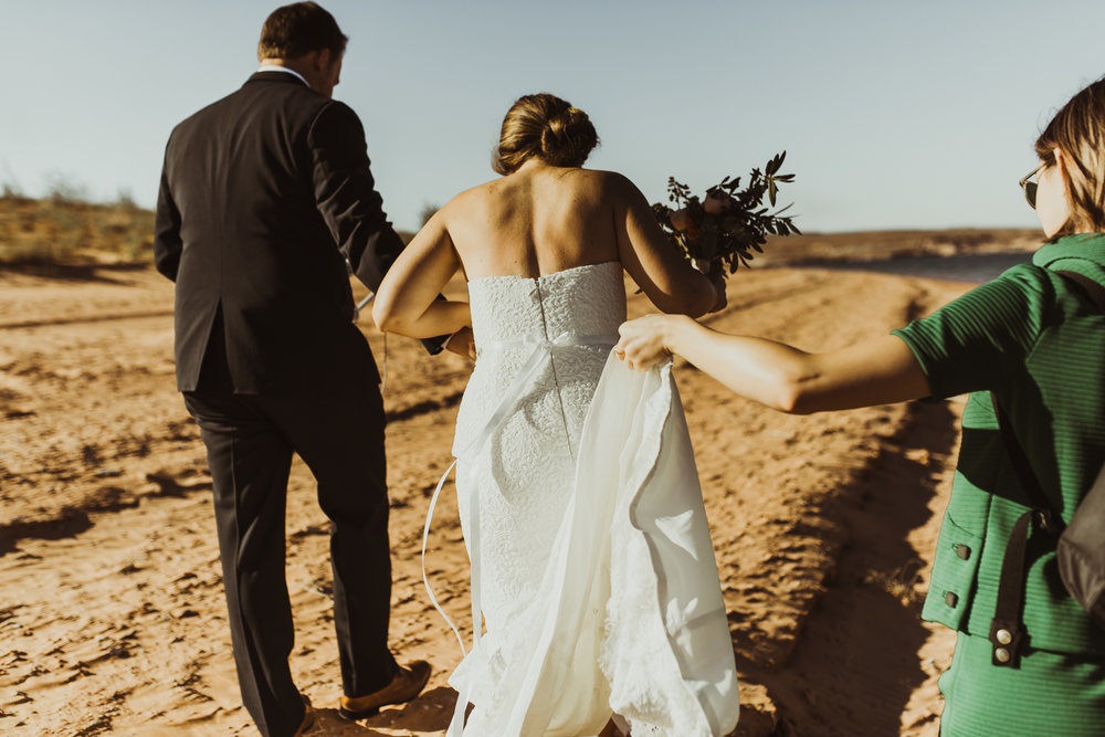 ©Isaiah + Taylor Photography - Lake Powell Elopement & Antelope Canyon & Horseshoe Bend, Page, Arizona-12.jpg