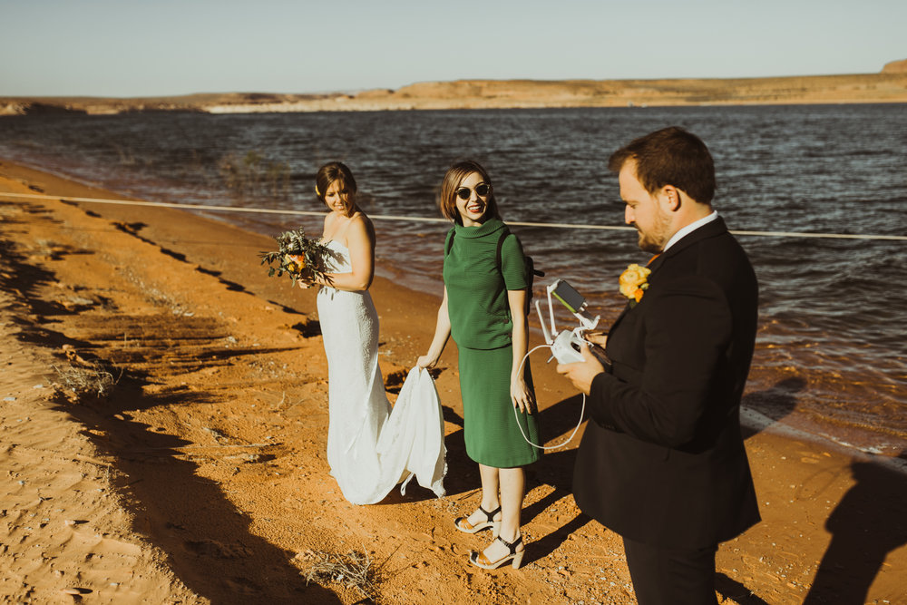 ©Isaiah + Taylor Photography - Lake Powell Elopement & Antelope Canyon & Horseshoe Bend, Page, Arizona-11.jpg