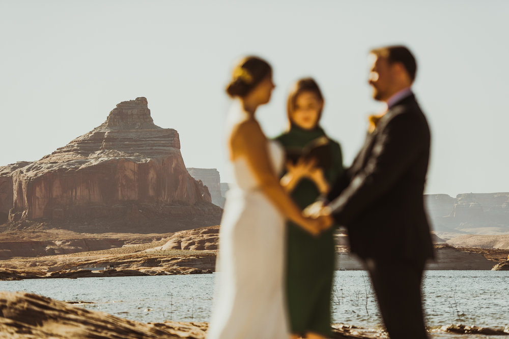 ©Isaiah + Taylor Photography - Lake Powell Elopement & Antelope Canyon & Horseshoe Bend, Page, Arizona-17.jpg