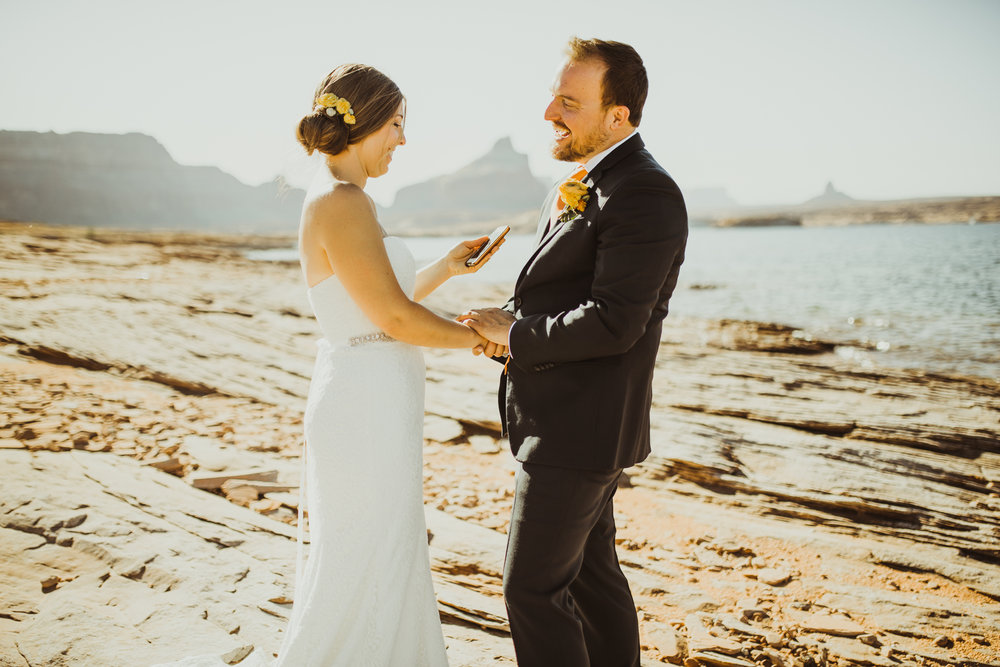 ©Isaiah + Taylor Photography - Lake Powell Elopement & Antelope Canyon & Horseshoe Bend, Page, Arizona-20.jpg