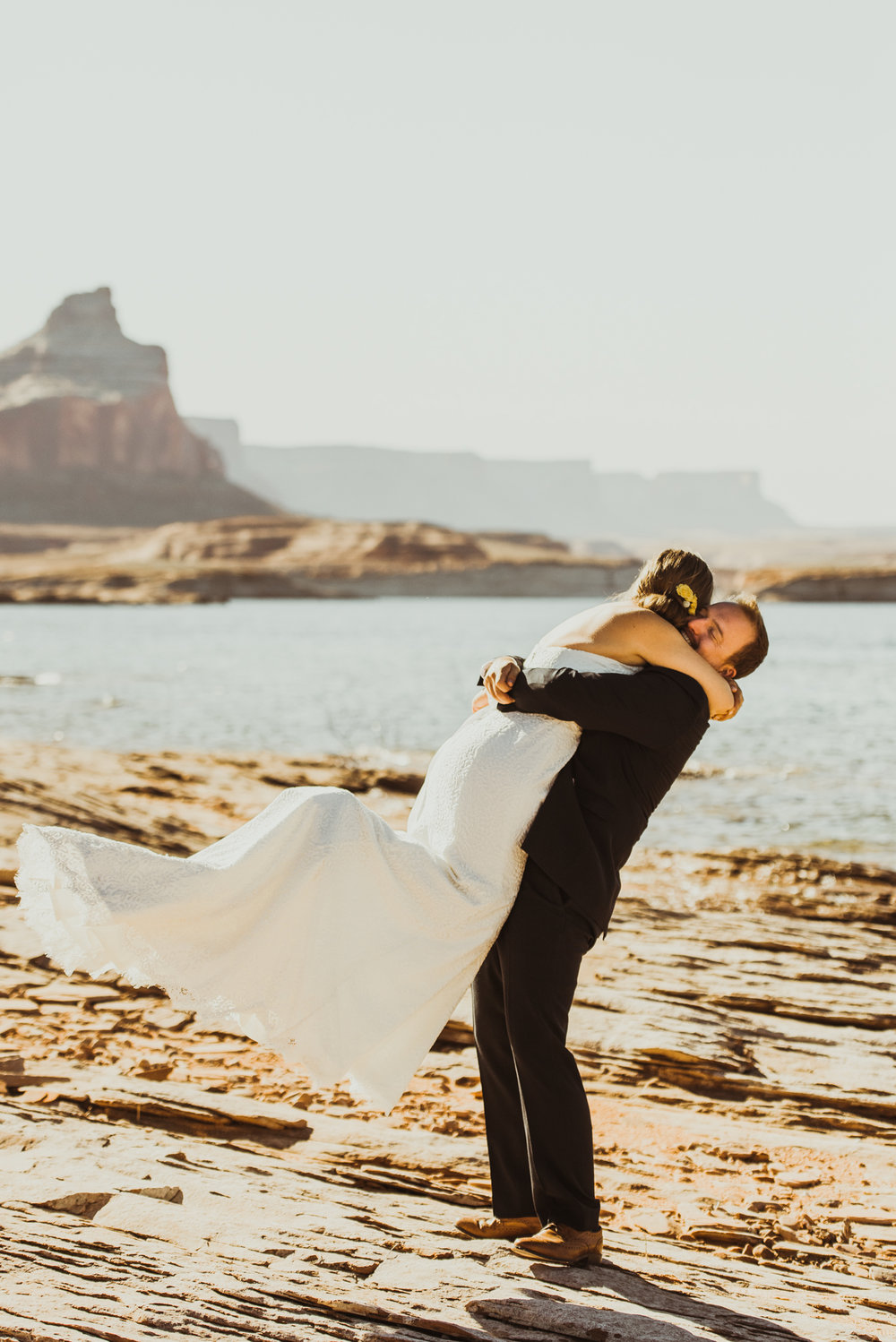 ©Isaiah + Taylor Photography - Lake Powell Elopement & Antelope Canyon & Horseshoe Bend, Page, Arizona-23.jpg