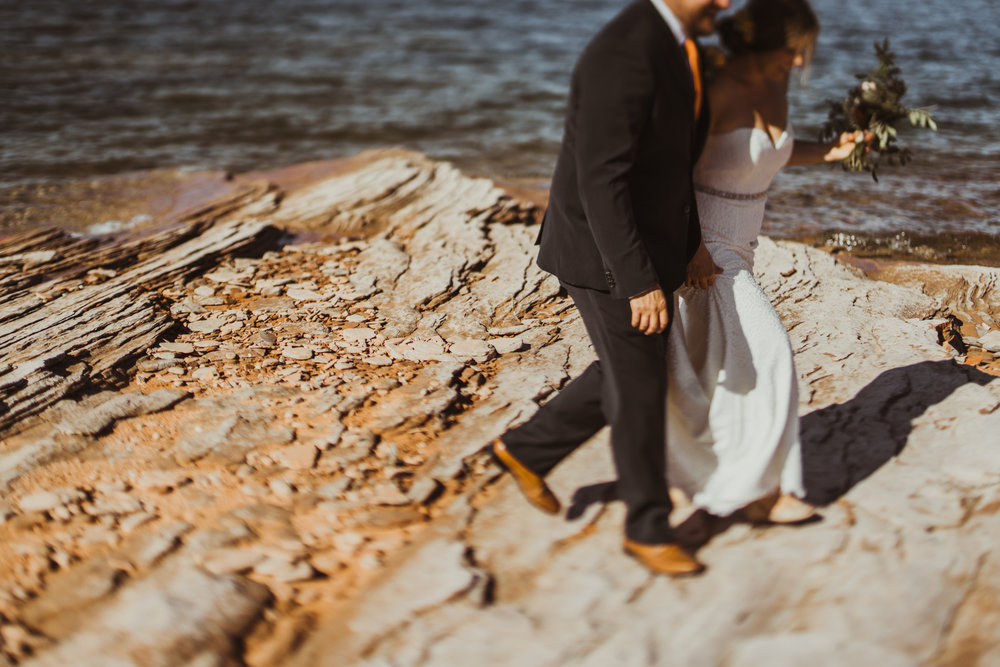 ©Isaiah + Taylor Photography - Lake Powell Elopement & Antelope Canyon & Horseshoe Bend, Page, Arizona-27.jpg