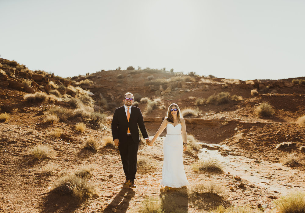 ©Isaiah + Taylor Photography - Lake Powell Elopement & Antelope Canyon & Horseshoe Bend, Page, Arizona-47.jpg