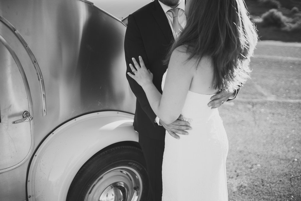 ©Isaiah + Taylor Photography - Lake Powell Elopement & Antelope Canyon & Horseshoe Bend, Page, Arizona-54.jpg