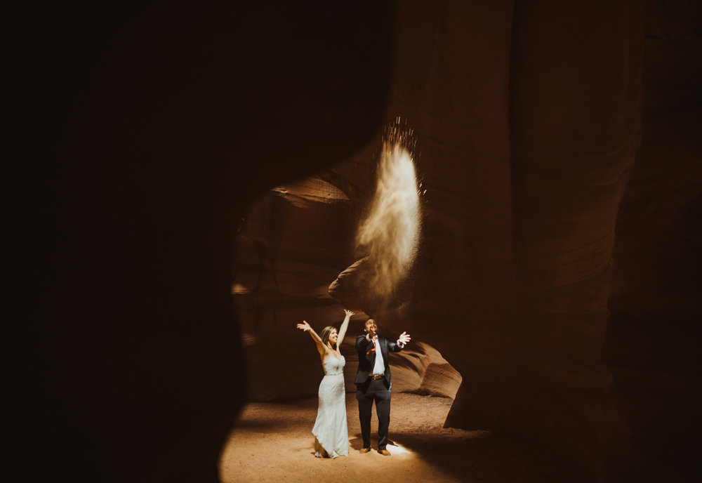 ©Isaiah + Taylor Photography - Lake Powell Elopement & Antelope Canyon & Horseshoe Bend, Page, Arizona-78.jpg
