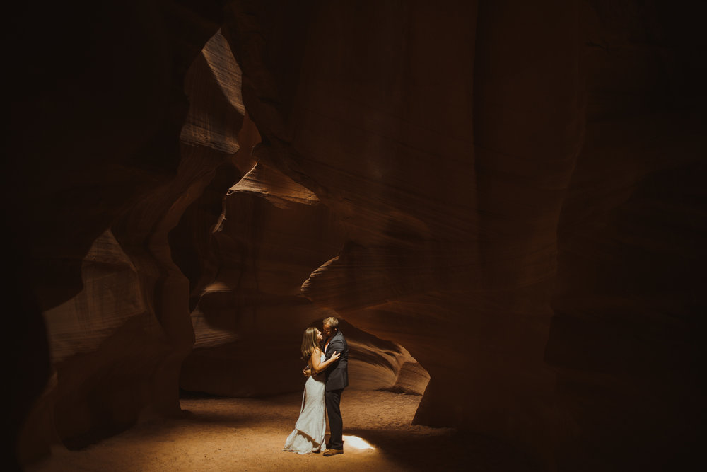 ©Isaiah + Taylor Photography - Lake Powell Elopement & Antelope Canyon & Horseshoe Bend, Page, Arizona-79.jpg