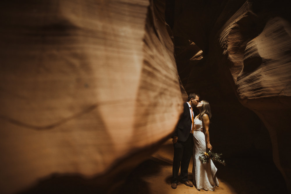 ©Isaiah + Taylor Photography - Lake Powell Elopement & Antelope Canyon & Horseshoe Bend, Page, Arizona-82.jpg