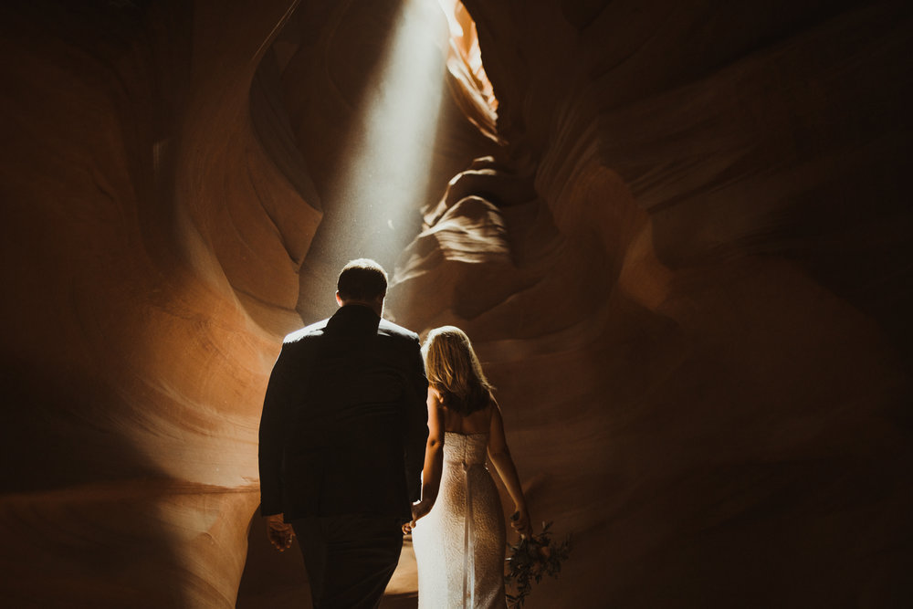 ©Isaiah + Taylor Photography - Lake Powell Elopement & Antelope Canyon & Horseshoe Bend, Page, Arizona-84.jpg