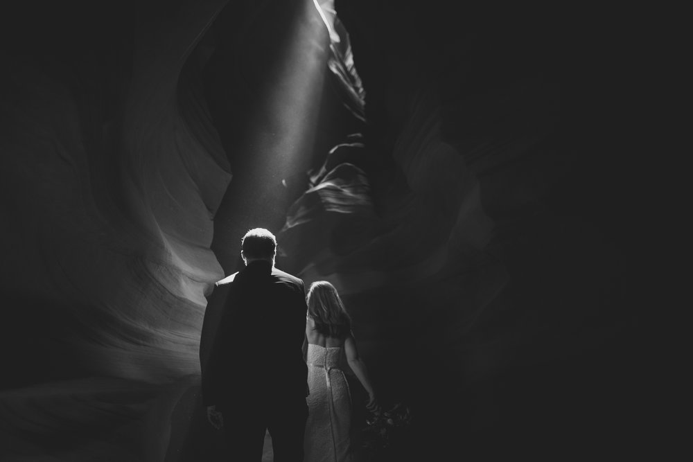 ©Isaiah + Taylor Photography - Lake Powell Elopement & Antelope Canyon & Horseshoe Bend, Page, Arizona-86.jpg