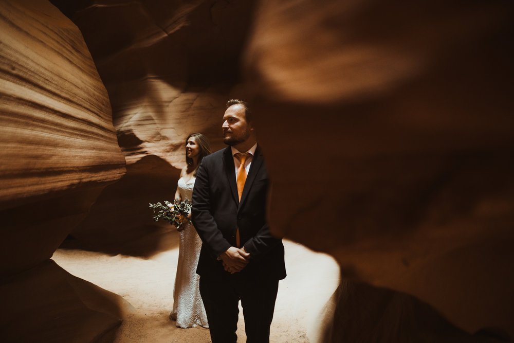 ©Isaiah + Taylor Photography - Lake Powell Elopement & Antelope Canyon & Horseshoe Bend, Page, Arizona-87.jpg