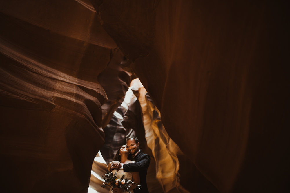 ©Isaiah + Taylor Photography - Lake Powell Elopement & Antelope Canyon & Horseshoe Bend, Page, Arizona-88.jpg