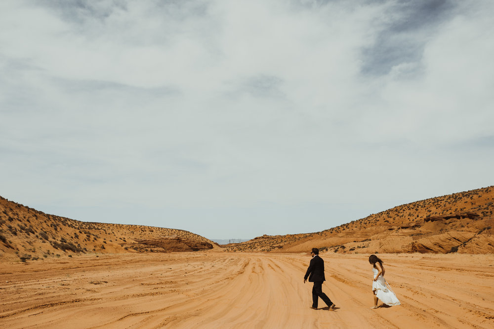 ©Isaiah + Taylor Photography - Lake Powell Elopement & Antelope Canyon & Horseshoe Bend, Page, Arizona-93.jpg