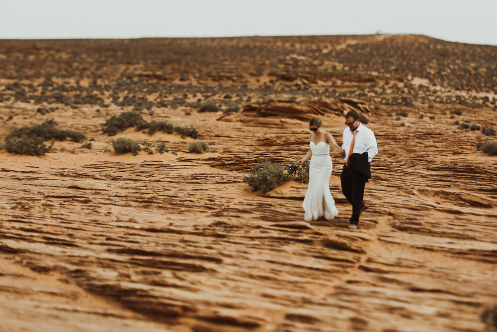 ©Isaiah + Taylor Photography - Lake Powell Elopement & Antelope Canyon & Horseshoe Bend, Page, Arizona-94.jpg