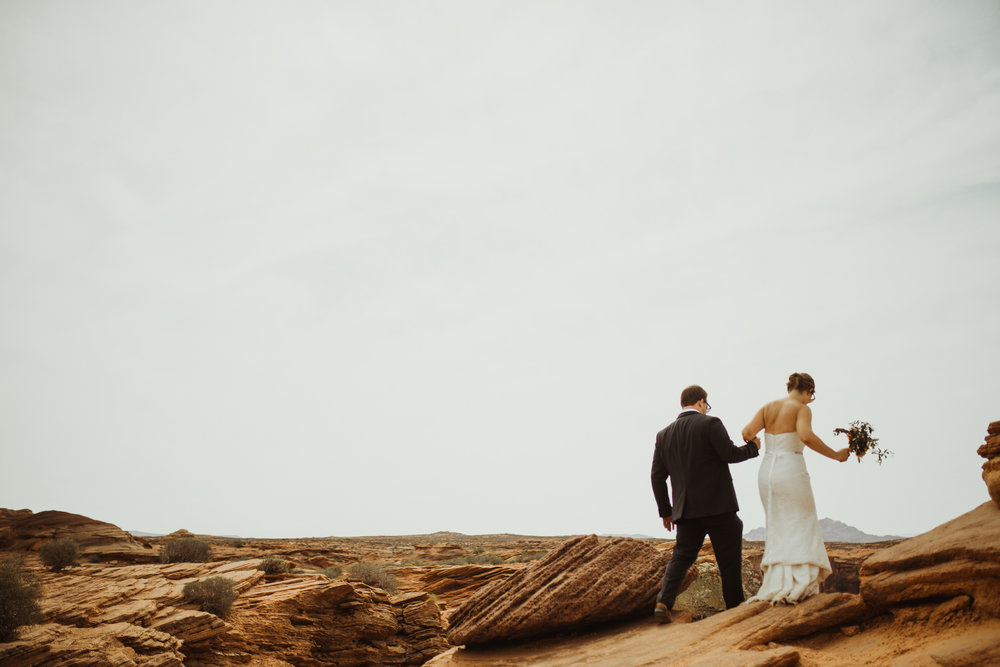 ©Isaiah + Taylor Photography - Lake Powell Elopement & Antelope Canyon & Horseshoe Bend, Page, Arizona-97.jpg