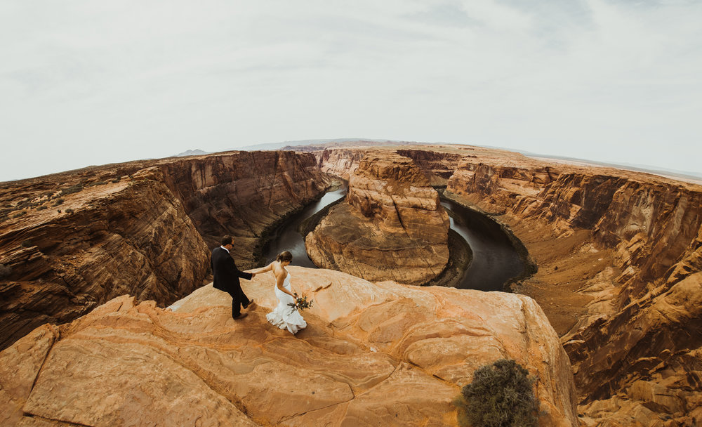 ©Isaiah + Taylor Photography - Lake Powell Elopement & Antelope Canyon & Horseshoe Bend, Page, Arizona-98.jpg