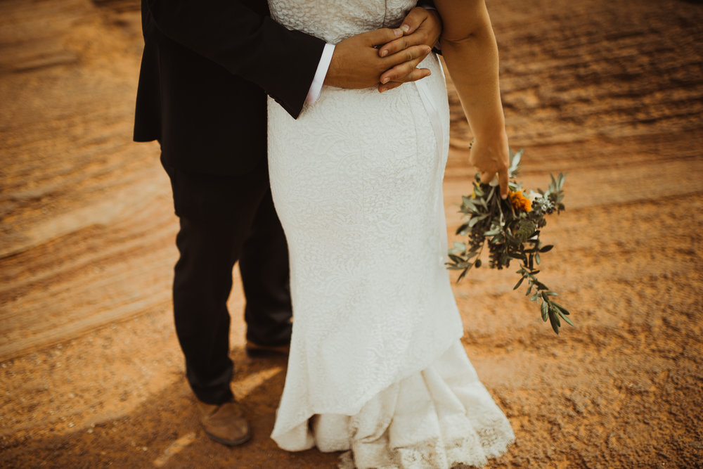 ©Isaiah + Taylor Photography - Lake Powell Elopement & Antelope Canyon & Horseshoe Bend, Page, Arizona-99.jpg